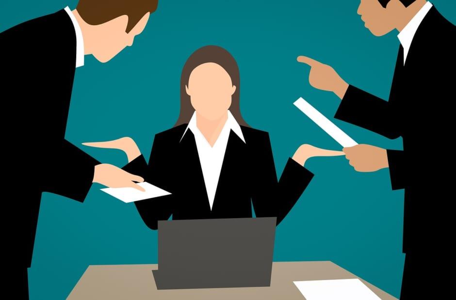 指示に困惑する女性社員