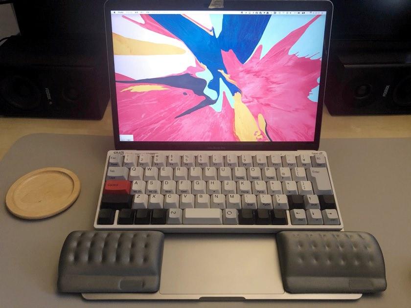 macbookpro13インチで尊師スタイルしたイメージ